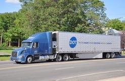 Volvo VN 630 18个轮子卡车 库存图片