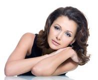Volwassen sensualiteit mooie donkerbruine vrouw Stock Afbeeldingen