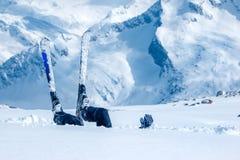 Volwassen skiër royalty-vrije stock afbeelding