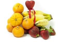 Vom Korb der Früchte Stockbilder