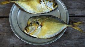 Vomer affumicato del pesce sul piatto Immagine Stock Libera da Diritti