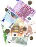 Von 5 bis 500 Euro und Münzen Lizenzfreie Stockfotografie