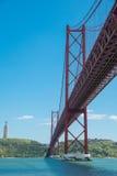 25. von April-Brücke in Lissabon Stockbild