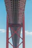 25. von April-Brücke in Lissabon Lizenzfreie Stockfotos