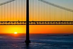 25. von April-Brücke am Morgen Lizenzfreie Stockbilder