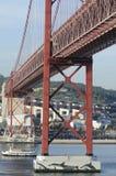25. von April Bridge in Lissabon, Portugal Lizenzfreies Stockfoto