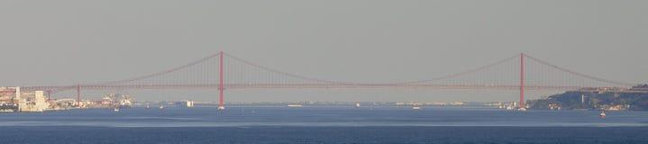 25. von April Bridge in Lissabon, Portugal Lizenzfreie Stockfotografie