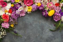 Von der Blumenfeldserie Stockfotos