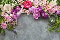 Von der Blumenfeldserie Stockbilder