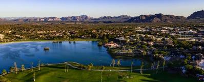 Von der Luft, Brummen-Ansicht von Brunnen-Hügeln, Arizona lizenzfreies stockbild