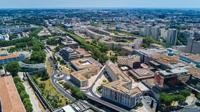 Von der Luft Draufsicht von Montpellier-Stadtskylinen von oben, Süd-Frankreich lizenzfreie stockbilder