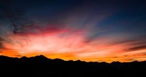 Von der Luft, panoramisch, Sonnenuntergang-Ansicht über Tubac Arizona lizenzfreies stockbild