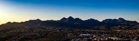 Von der Luft, parken Brummen-Ansicht der Brunnen-Hügel Brunnen lizenzfreie stockfotos