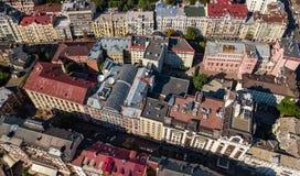 Von der Luftdraufsicht von Kiew-Stadtskylinen von oben, im Stadtzentrum gelegenes Stadtbild Kyiv-Mitte, Ukraine Stockbild