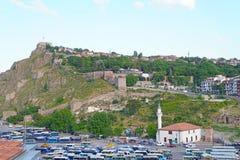 Von der Schlossansicht Bentderesi Ankara über Hintergrund des blauen Himmels stockfotos