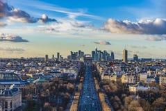 Von einer Vogel ` s Augenansicht der Champs-Elyseesreise Stockfotografie