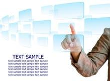 Von Hand eindrücken einer Taste auf einem Touch Screen Stockfoto