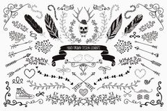 Von Hand gezeichnete Blumenmuster-Elemente Stockbild