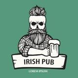 Von Hand gezeichneter Schädelhippie-Geck mit dem Schnurrbart, Bart mit Bier Mann mit Glas Alkohol Kugelkreiserdeplanetenreisenweb vektor abbildung