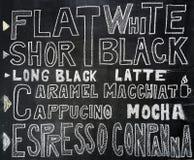 Von Hand gezeichnetes Kaffeemenü auf Tafel Lizenzfreie Stockbilder