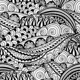 Von Hand gezeichnetes nahtloses Schwarzweiss-Muster mit abstrakten Wellen, Kreisen und Blumen Stockfotografie