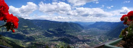 Von Merano bis zu den Dolomit Stockfoto