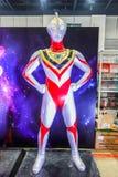 Von Ultraman-Modell ist eine japanische Fernsehserie lebensgroß, die durch Tsuburaya-Produktionen produziert wird stockfoto