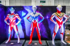 Von Ultraman-Modell ist eine japanische Fernsehserie lebensgroß, die durch Tsuburaya-Produktionen produziert wird lizenzfreie stockbilder