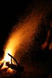 Vonken in de nacht Stock Afbeelding