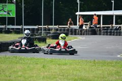Vont la course de Karting images libres de droits