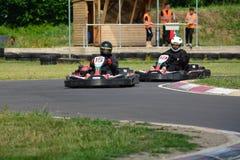 Vont la course de Karting images stock