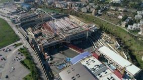Voo aéreo sobre as obras da estrada de ferro subterrânea onde é fabricado construído em Tessalónica filme