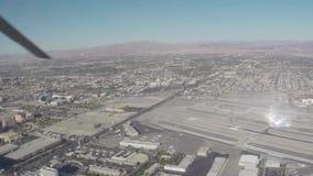 Voo aéreo sobre tira de Las Vegas, Nevada video estoque
