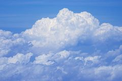Voo acima das nuvens em 30.000 ft foto de stock royalty free