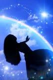 Voo acima na menina do céu ilustração do vetor