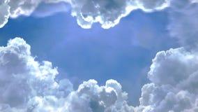 Voo através das nuvens no céu com animação do alargamento 3d da lente video estoque