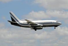 Voo charter de Miami a Cuba imagem de stock