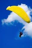 Voo com o paraglide Fotografia de Stock