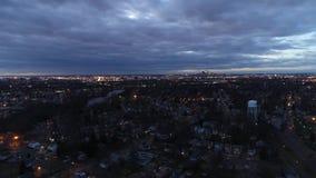 Voo da vista aérea para a skyline de Philadelphfia video estoque