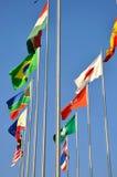Voo das bandeiras de países Foto de Stock Royalty Free