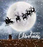 Voo de Santa sobre a parte superior da Lua cheia e do telhado fotografia de stock