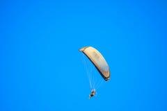 Voo do planador no céu Foto de Stock Royalty Free
