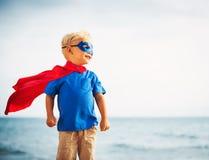 Voo do super-herói dentro ele mar Imagem de Stock Royalty Free