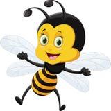 Voo dos desenhos animados da abelha isolado no fundo branco Foto de Stock Royalty Free
