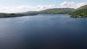 Voo sobre o Loch Etive por Taynuilt video estoque
