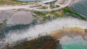 Voo sobre a tundra e os lagos Península de Kola, Rússia video estoque