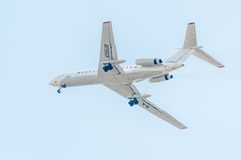 Voo Tu-134 da empresa de Utair Imagens de Stock