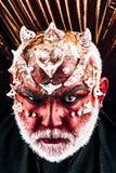 Voodooism i czarna magia życie jest chytry, pobyt w twój magii mężczyzna z złym makeup, voodooism halloween mężczyzna z twarzą obrazy royalty free