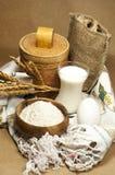 Voor een beige achtergrond, zijn de producten voor baksel royalty-vrije stock foto
