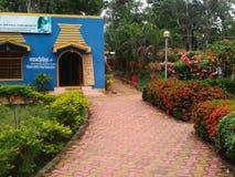 Voor een cafetaria, dichtbij Digha-strand, India Stock Foto's